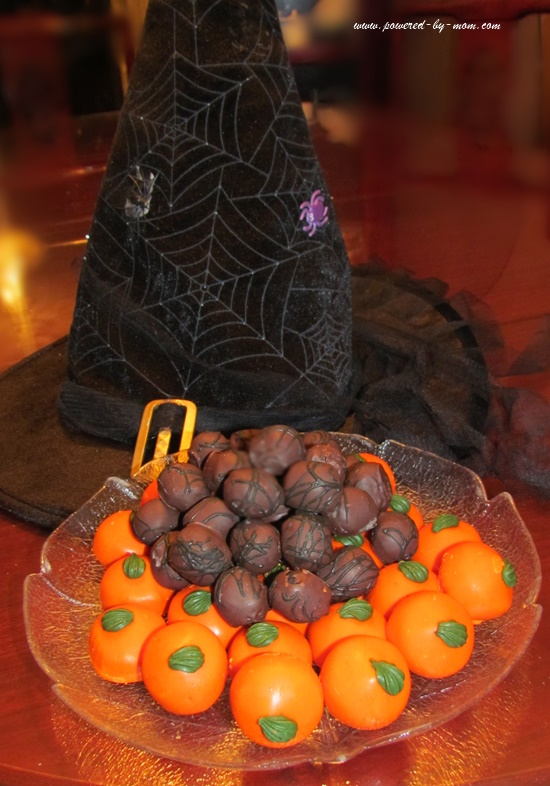 Spiced-pumkin-cake-pops-and-chocolate-cake-pops.jpg