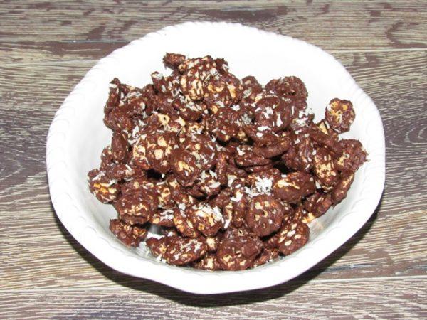 Honeycomb chocolate coconut snowflakes