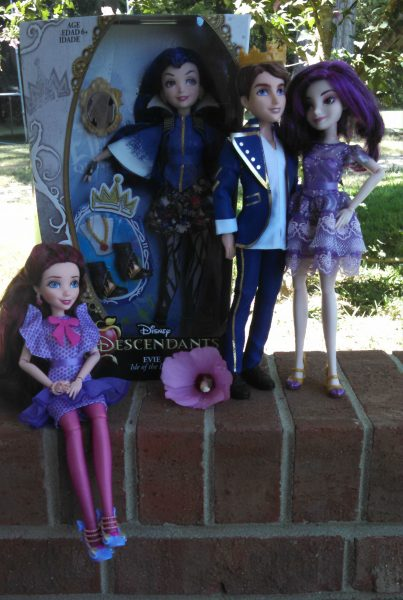 Disney Descendants Dolls Giveaway Powered By Mom