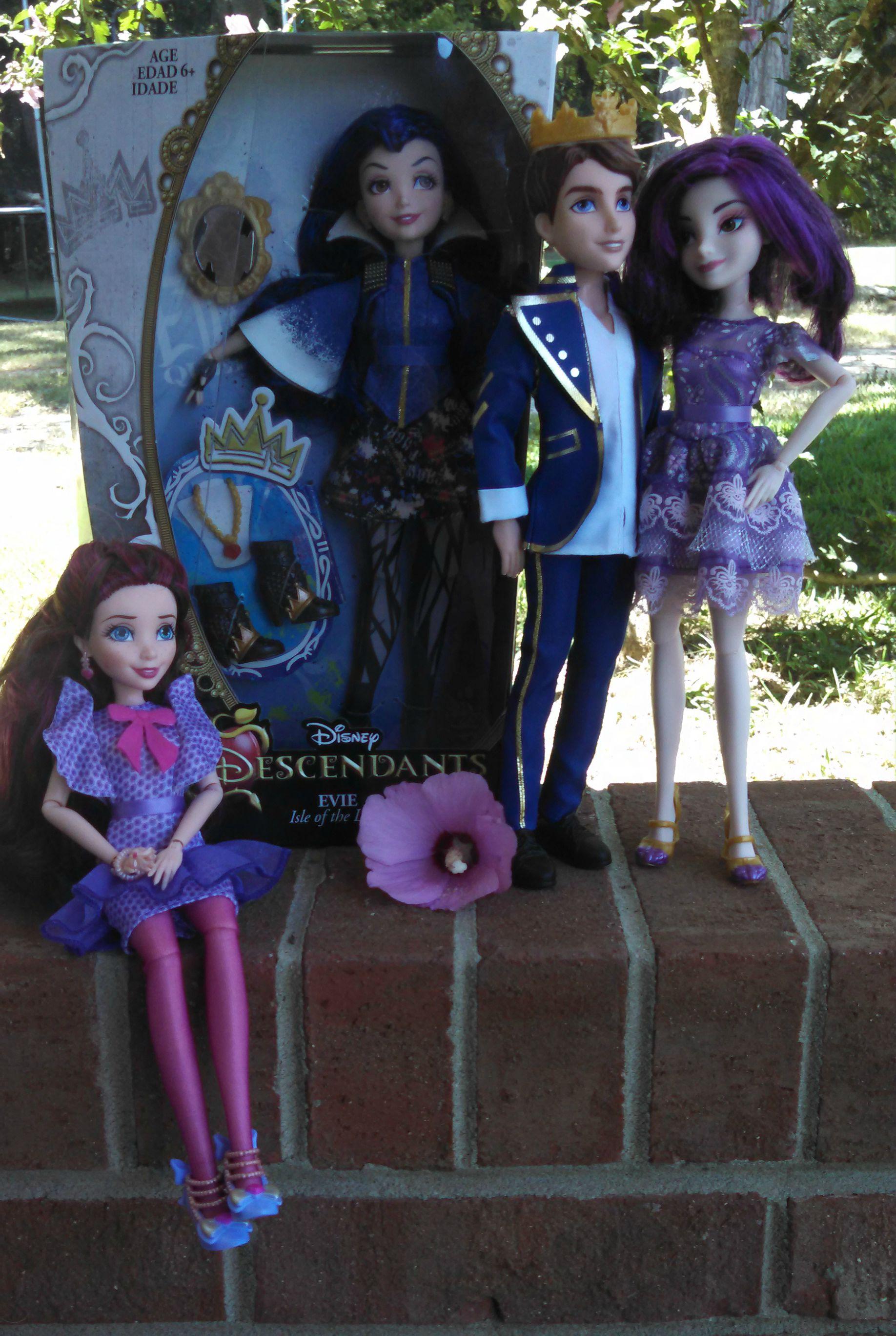 Disney Descendants Dolls Giveaway - Powered By Mom