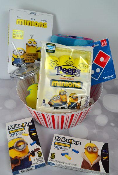 Minions-Peeps-Dominos-02