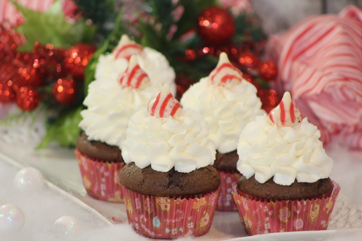 peppermint kisses chocolate cupcakes 4
