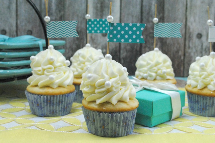 fancy vanilla cupcakes