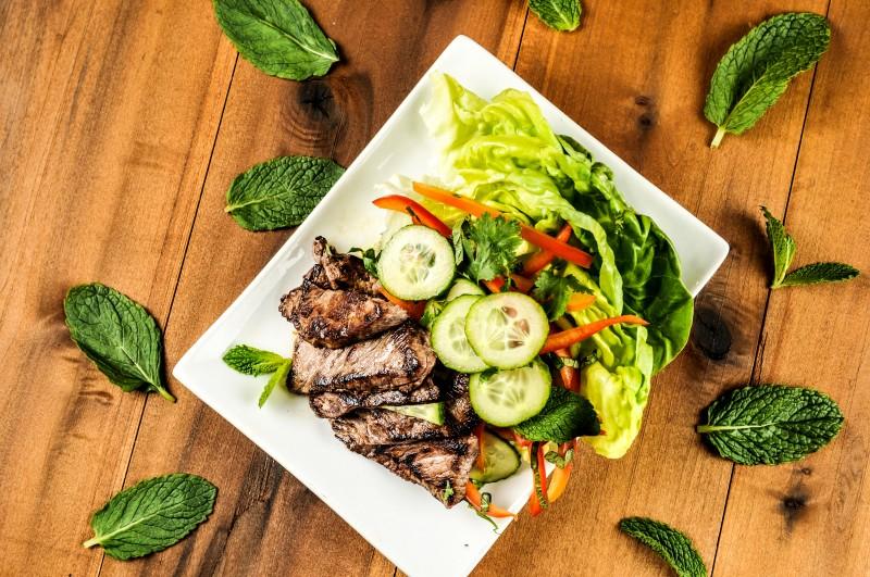 homechef_Thai Beef Salad (1 of 1)