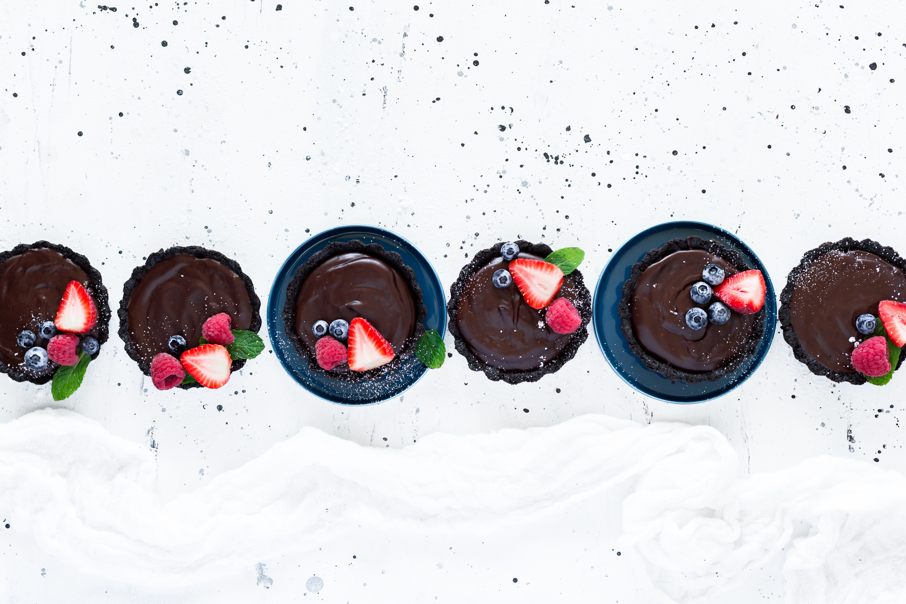 Mini No Bake Chocolate Tarts, easy to make and oh so delicious