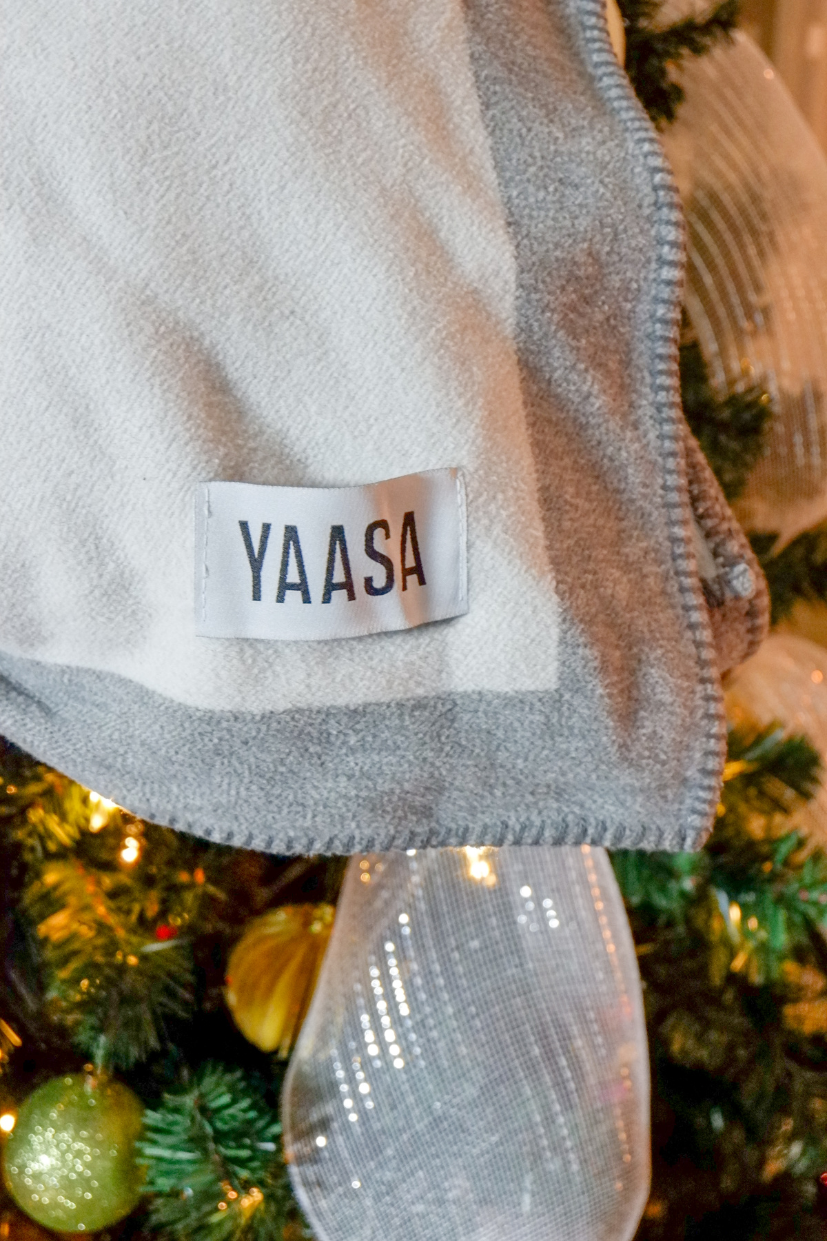 Restful sleep with a Yaasas infinity blanket