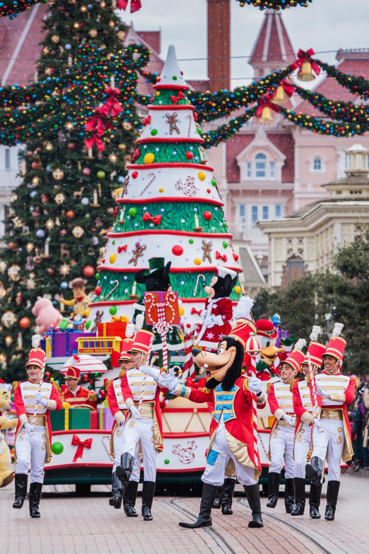 Disneyland holiday tips