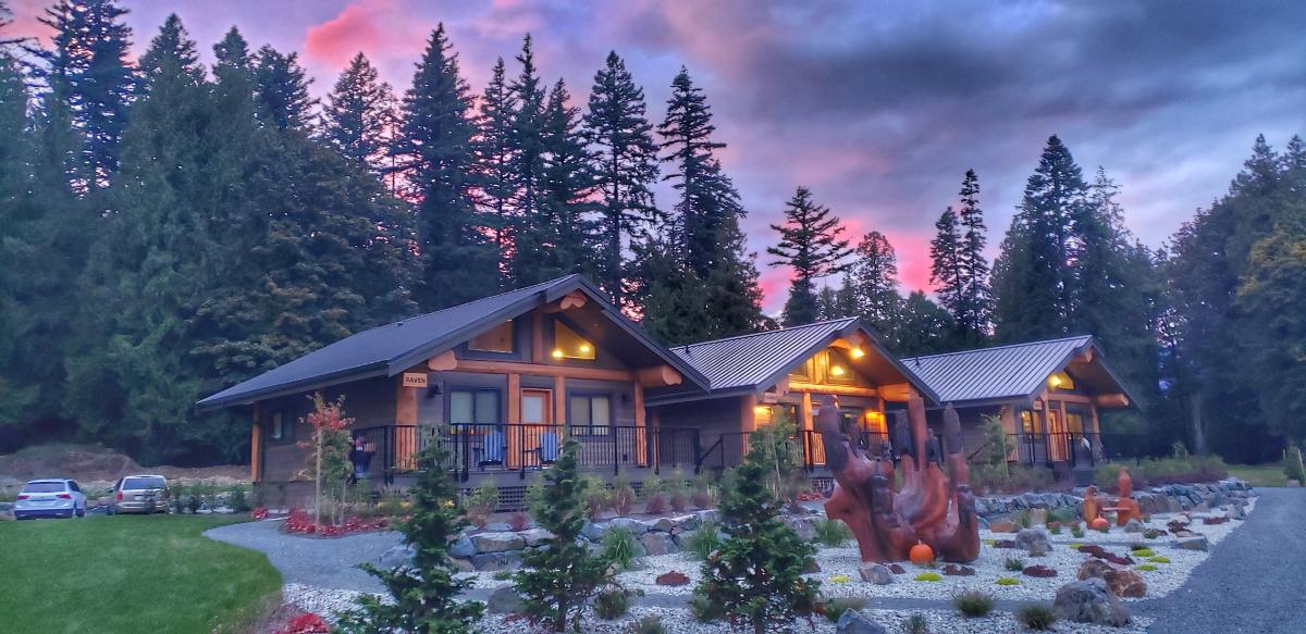 Harrison Mills Sandpiper Golf Course Raven luxury cabin