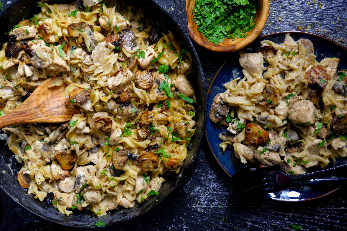 one pan chicken stroganoff