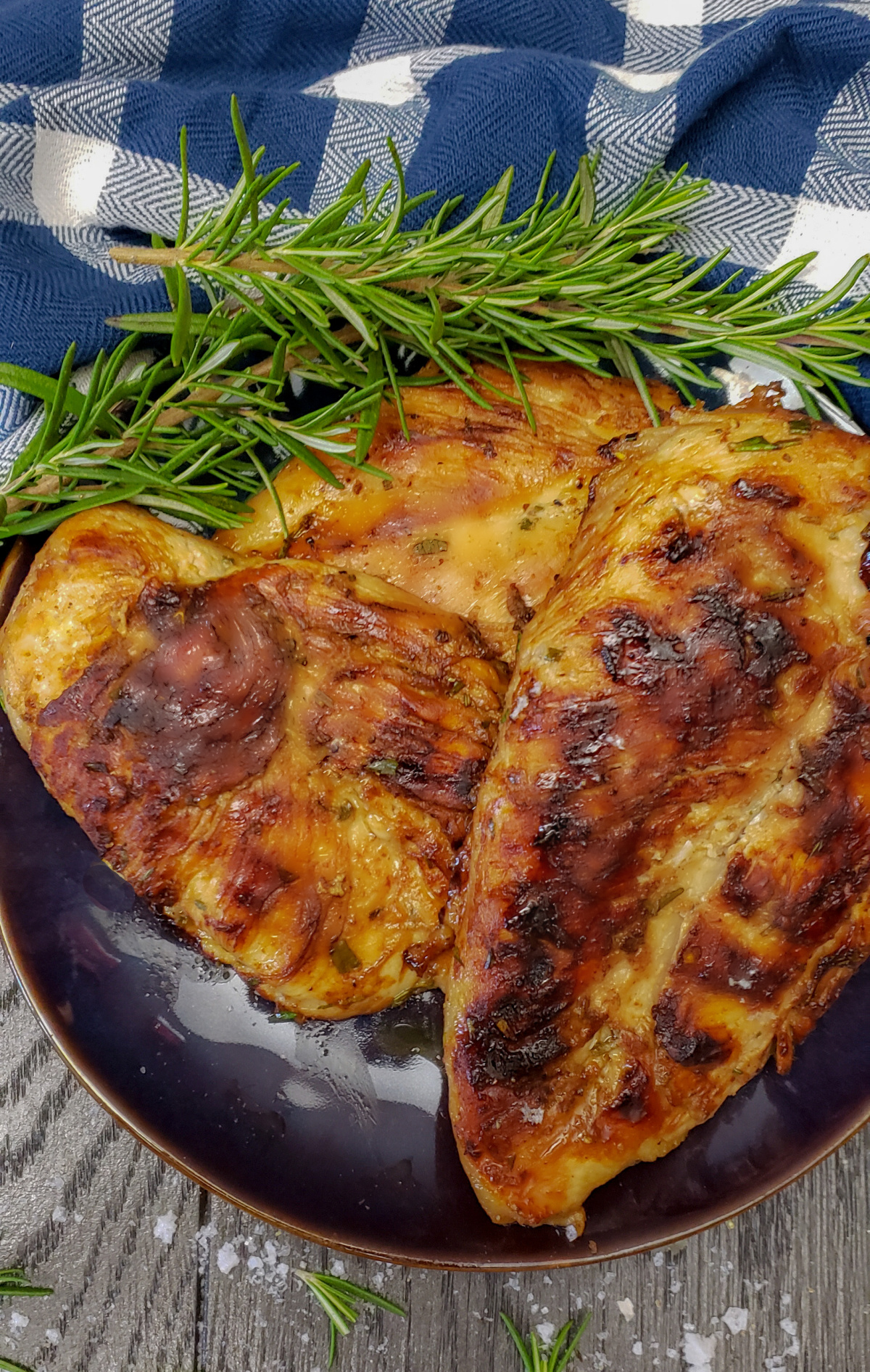 maple rosemary herbed grilled chicken breasts