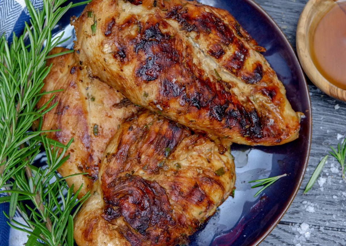 herb grilled chicken breasts with maple syrup