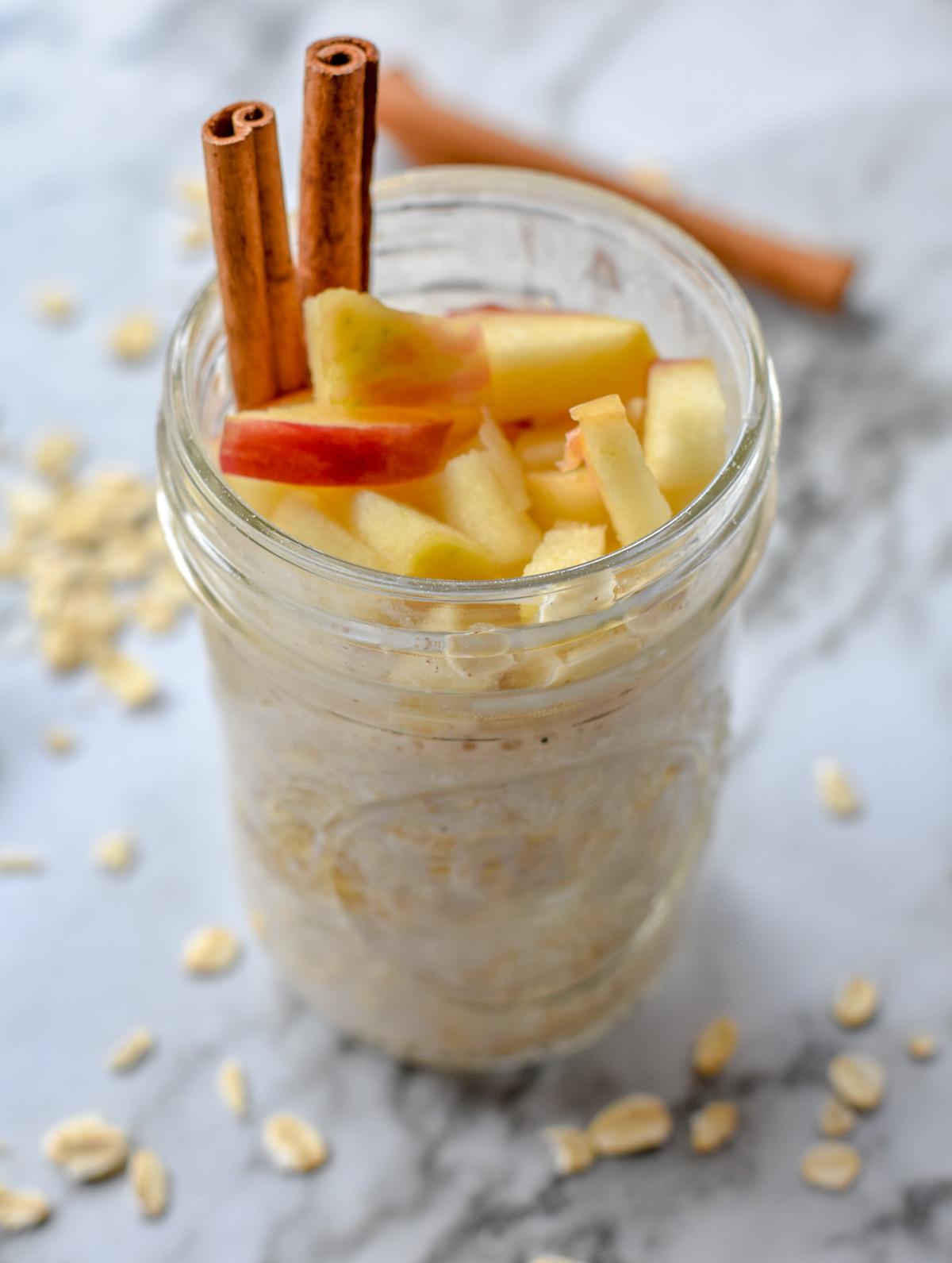 apple cinnamon overnight oats