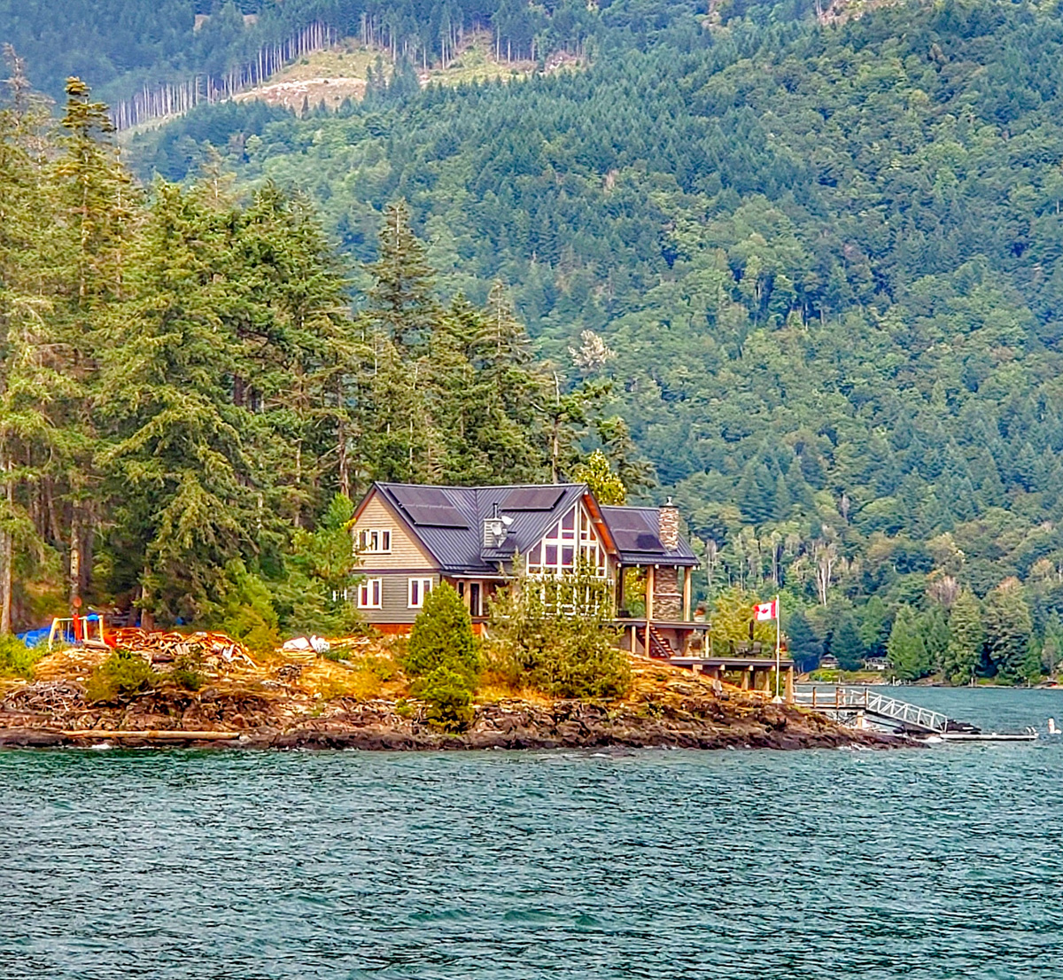 Harrison Lake house on the water