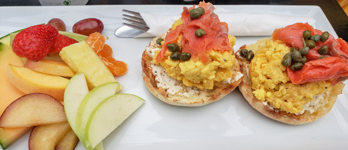 muddy waters breakfast bagel with eggs and lox
