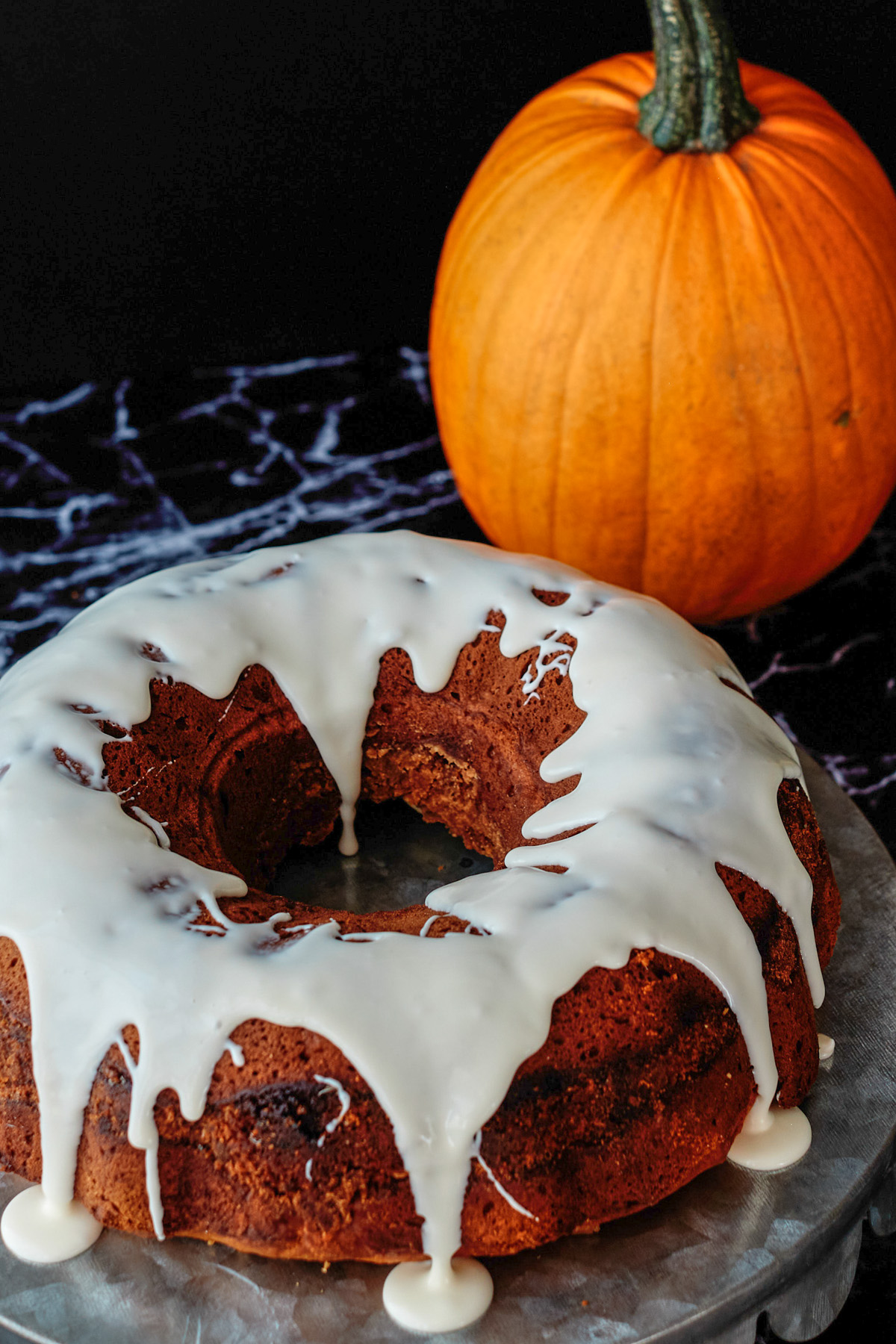 pumpkin coffee cake with icing