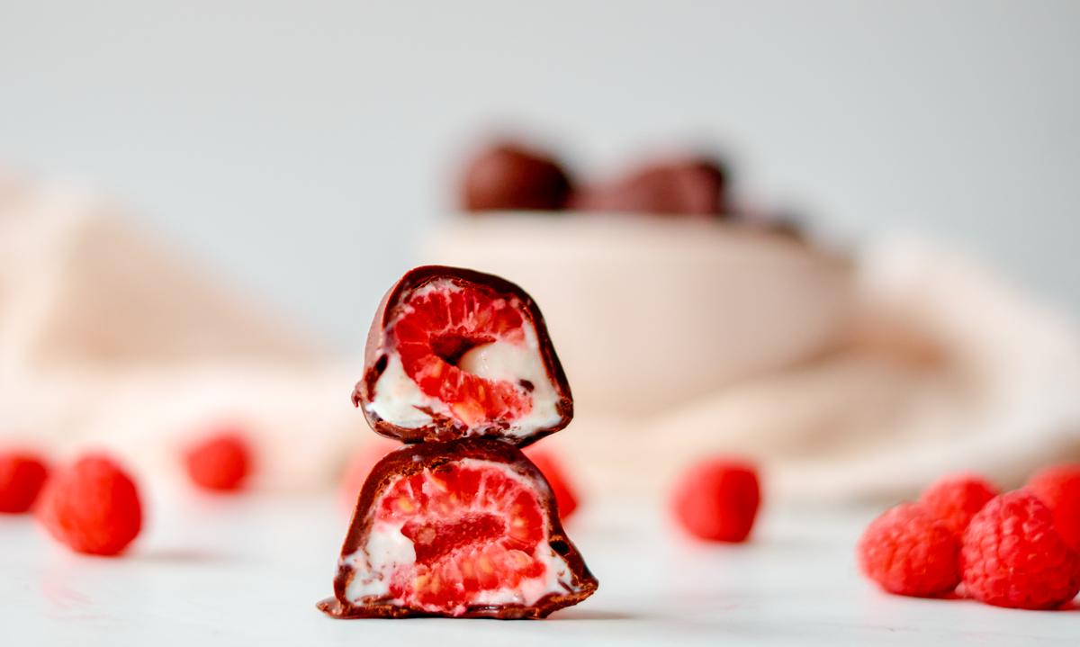 chocolate raspberry bonbon
