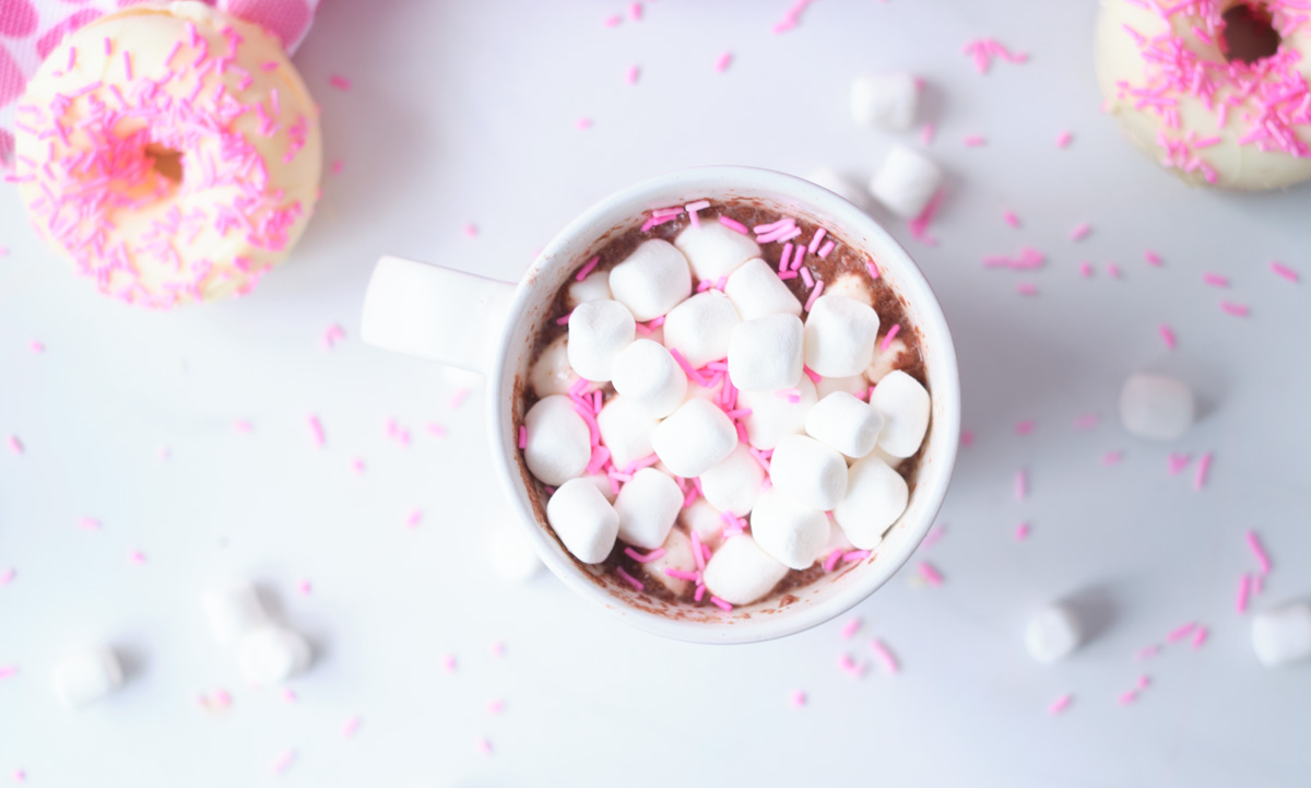 white chocolate hot cocoa bomb with marshmallows