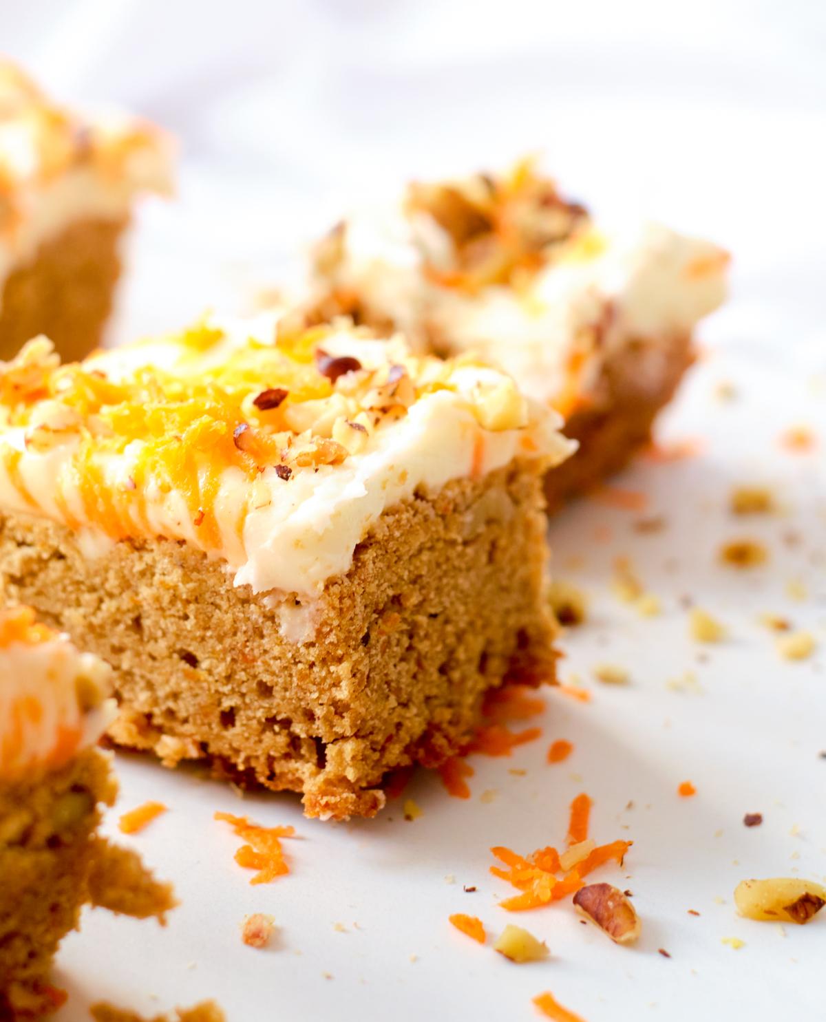 carrot cake blondies