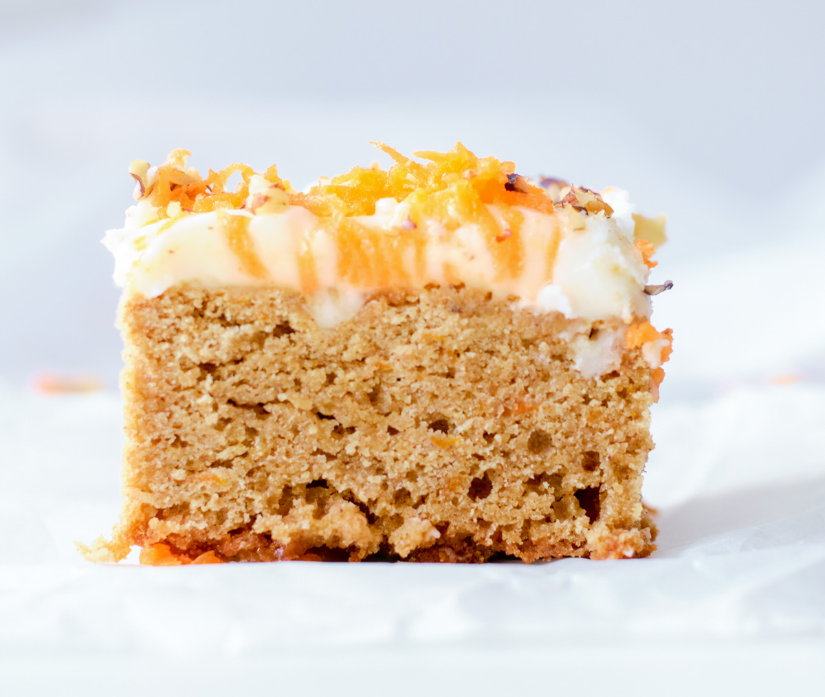 carrot cake blond square side view